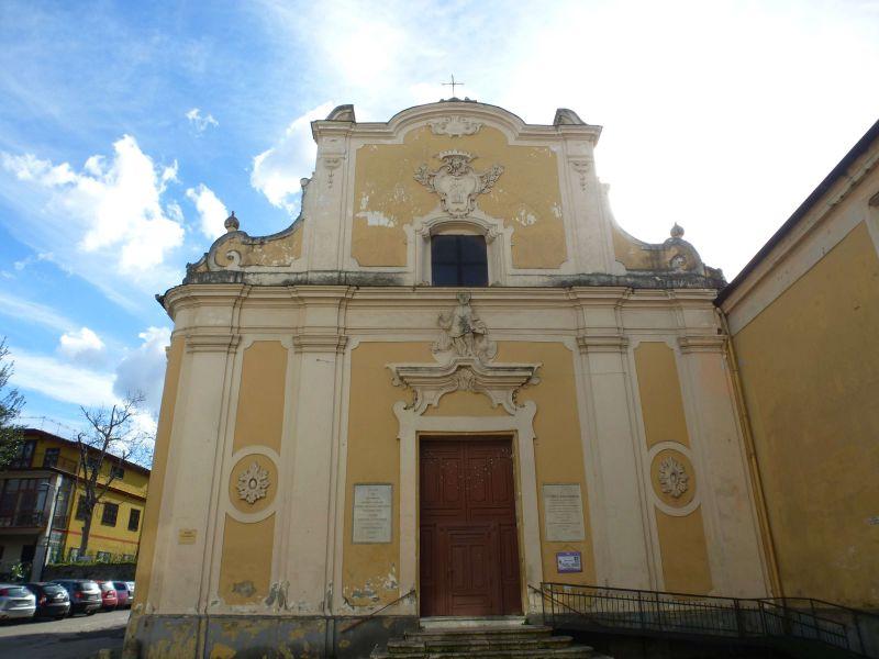 monumenti-di-interesse-cancello-chiesa-san-giovanni-evangelista.JPG